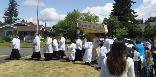 Corpus Christi procession 2016 (photo by Greg Cook)